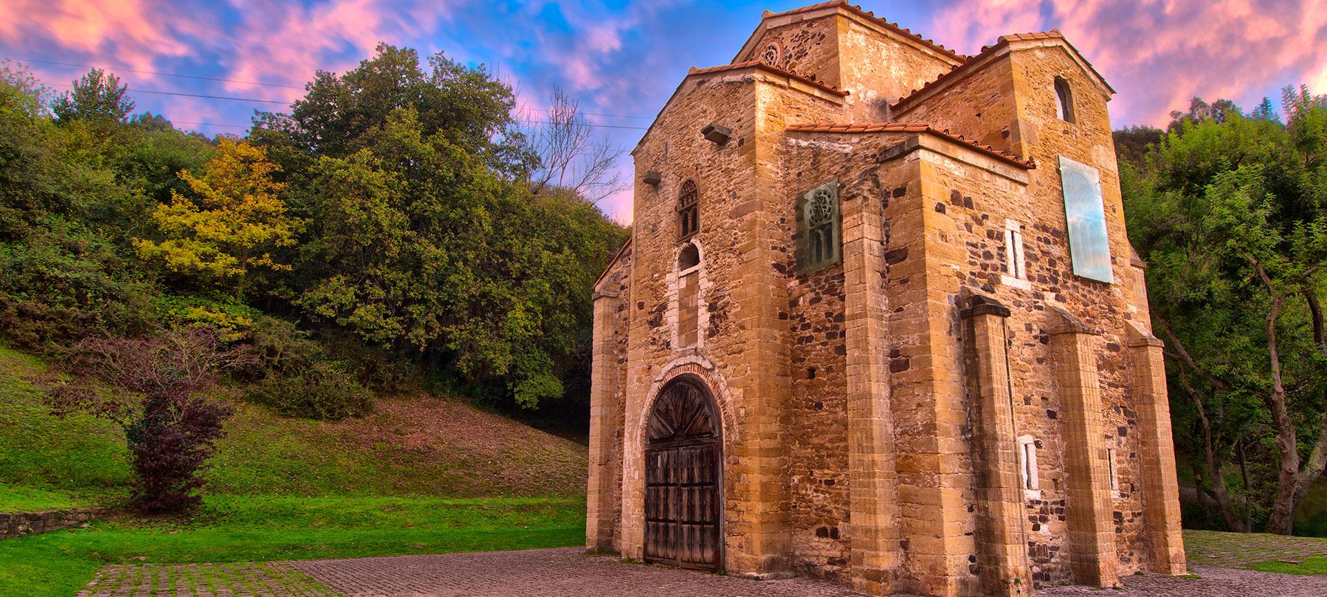Kirche San Miguel de Lillo in Oviedo