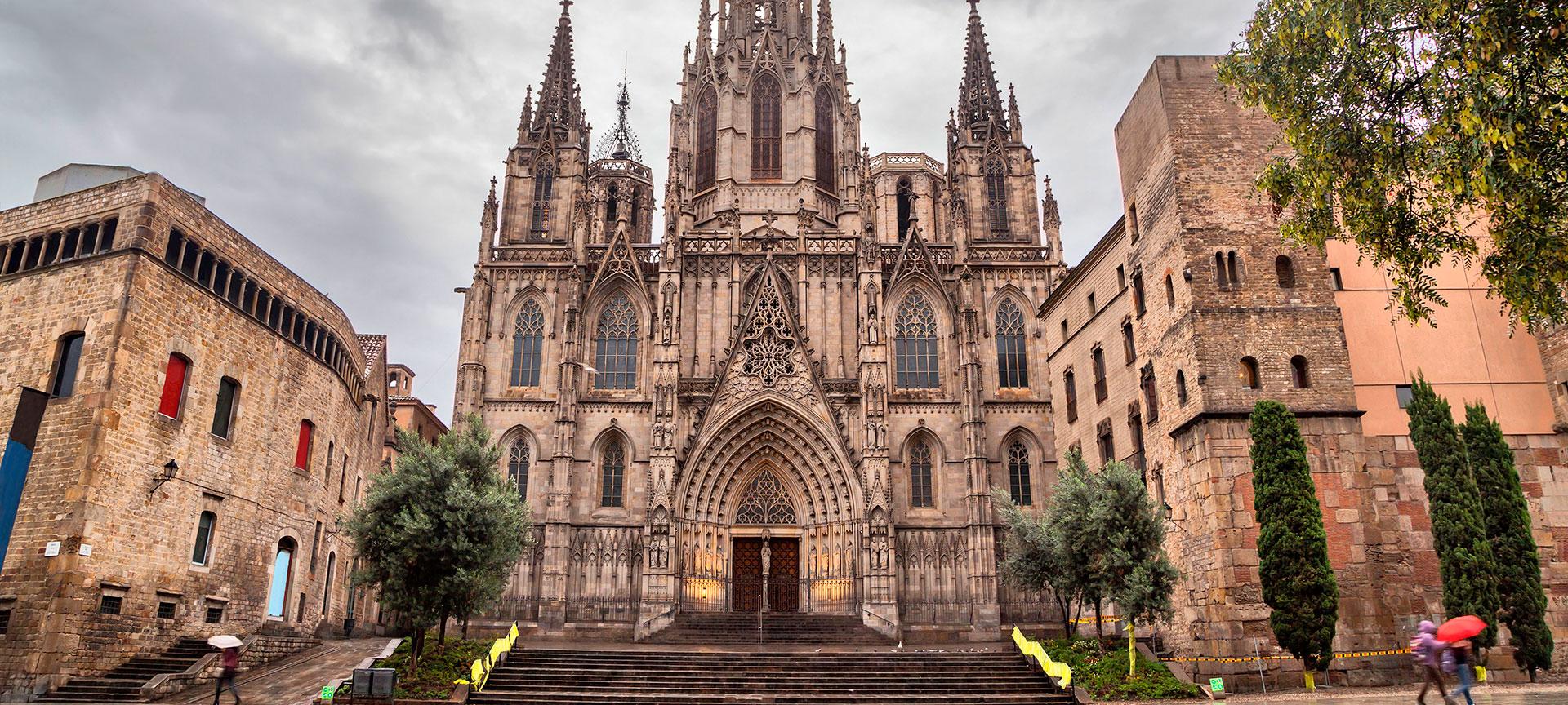 barcelona cathedral in barcelona spain info in english barcelona cathedral in barcelona