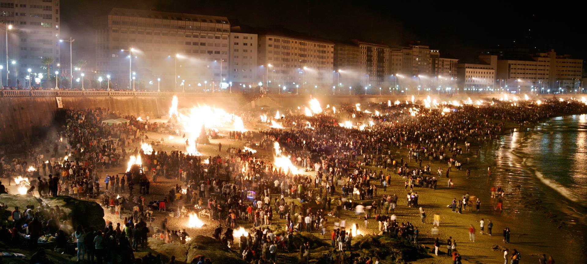 Hogueras De San Juan 23 06 2021 Fiestas En Coruña A Spain Info En Español